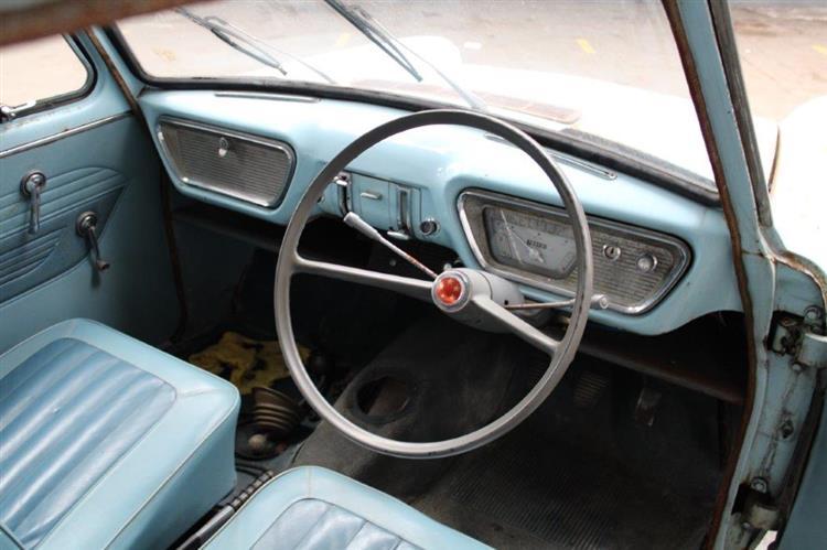 Ford Anglia 105 E interior