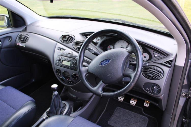 Ford Focus ST170 interior