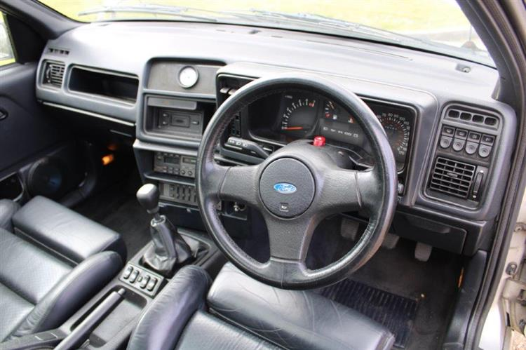 Ford Sierra Saphire Cosworth 4x4 interior