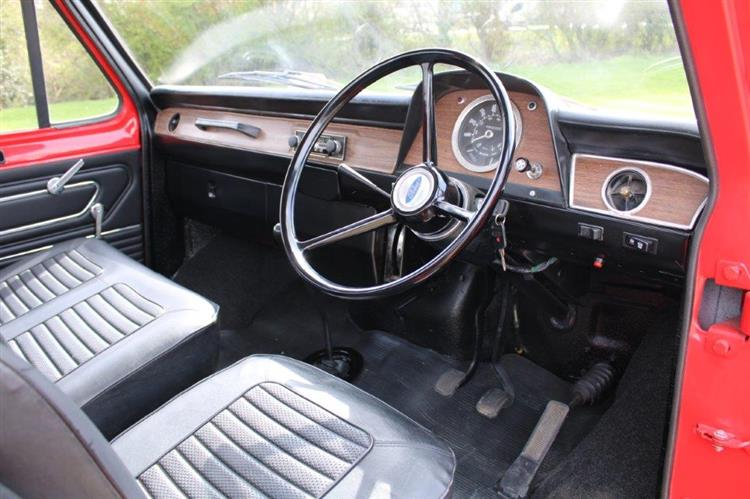 Ford Transit Dropside Mk1 interior