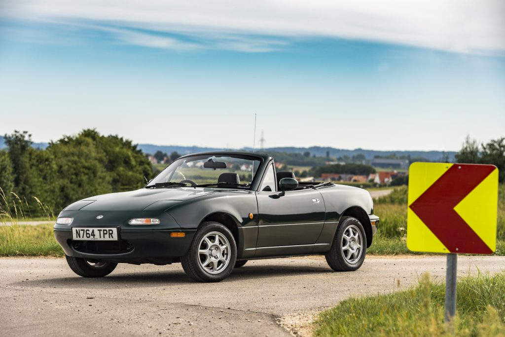 How much does a Mazda MX-5 Mk1 cost?