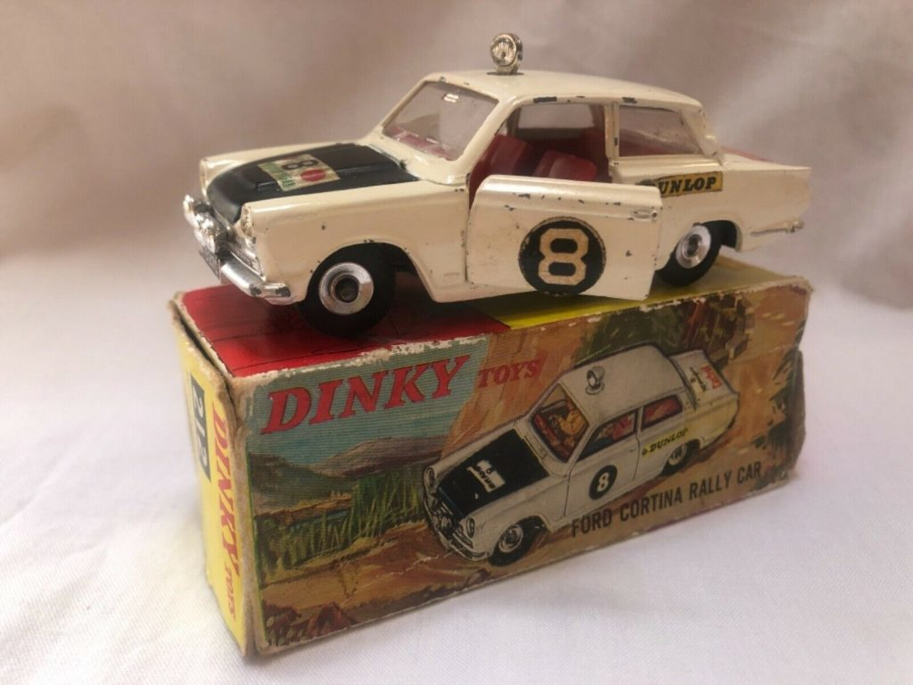 Dinky Toys No 212 Ford Cortina MkI Rally Car