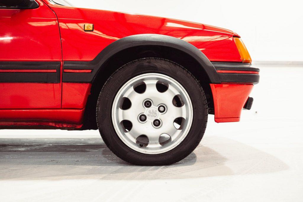 Alloy wheel Peugeot 205 GTI 1.9