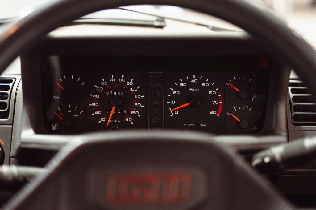 Peugeot 205 GTI instrument cluster