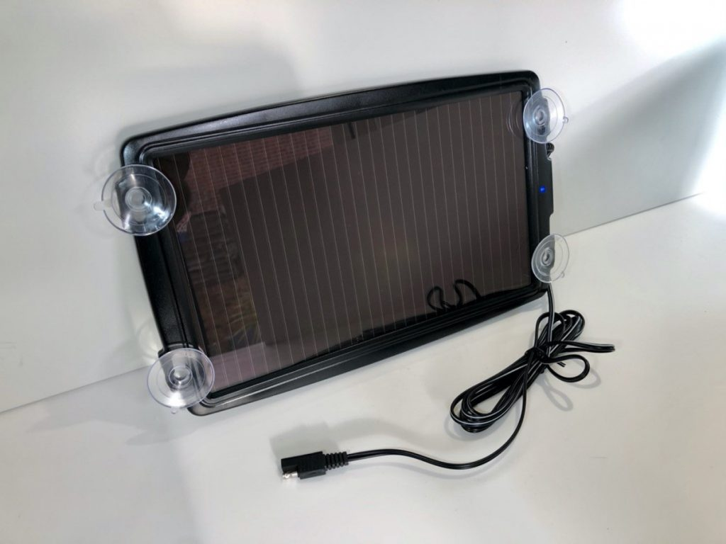 AA solar battery charger
