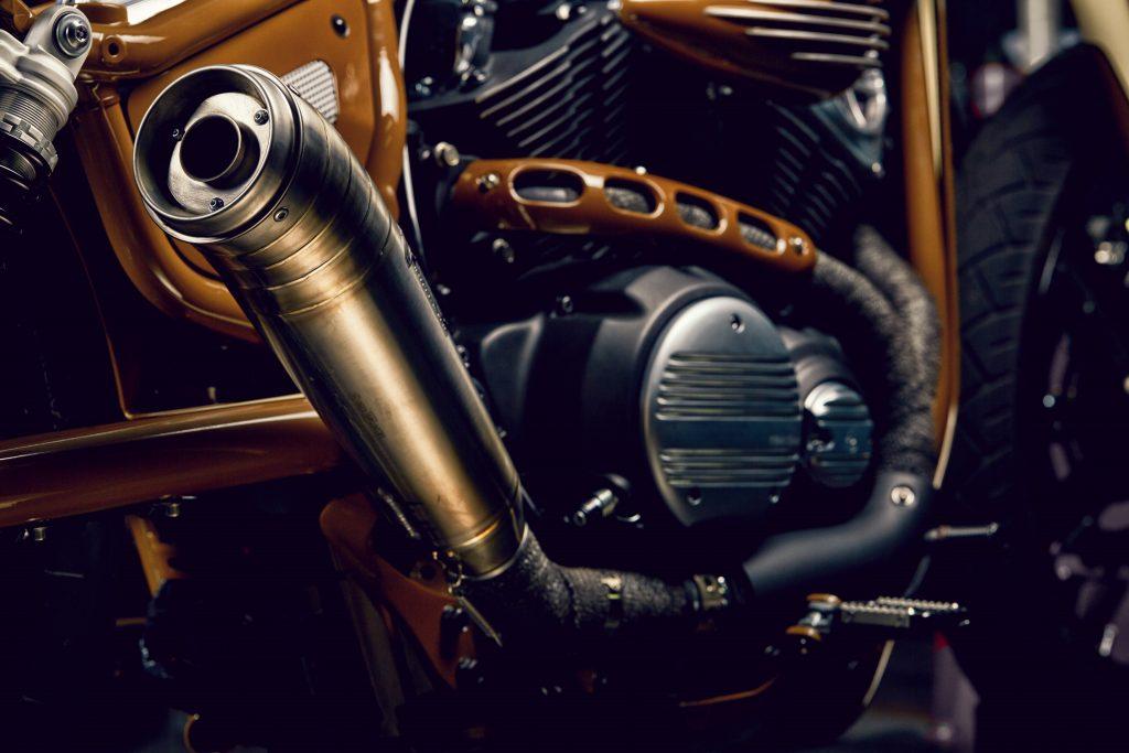 Exhaust of Yamaha XV950 Playa del Rey