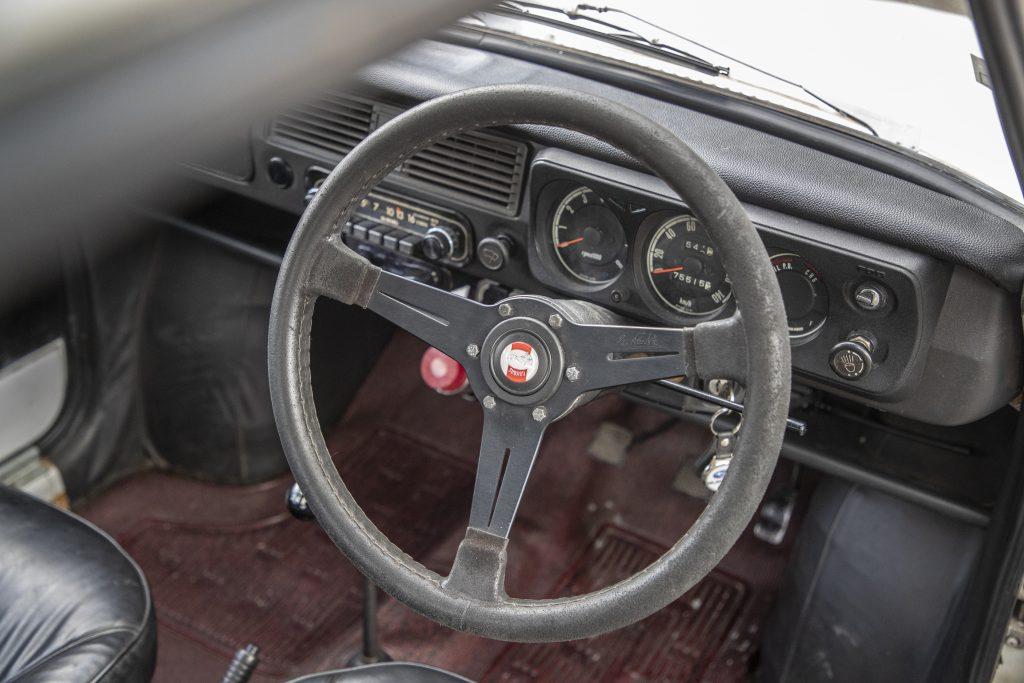 Interior of the Subaru R-2 Sporty Deluxe classic kei car