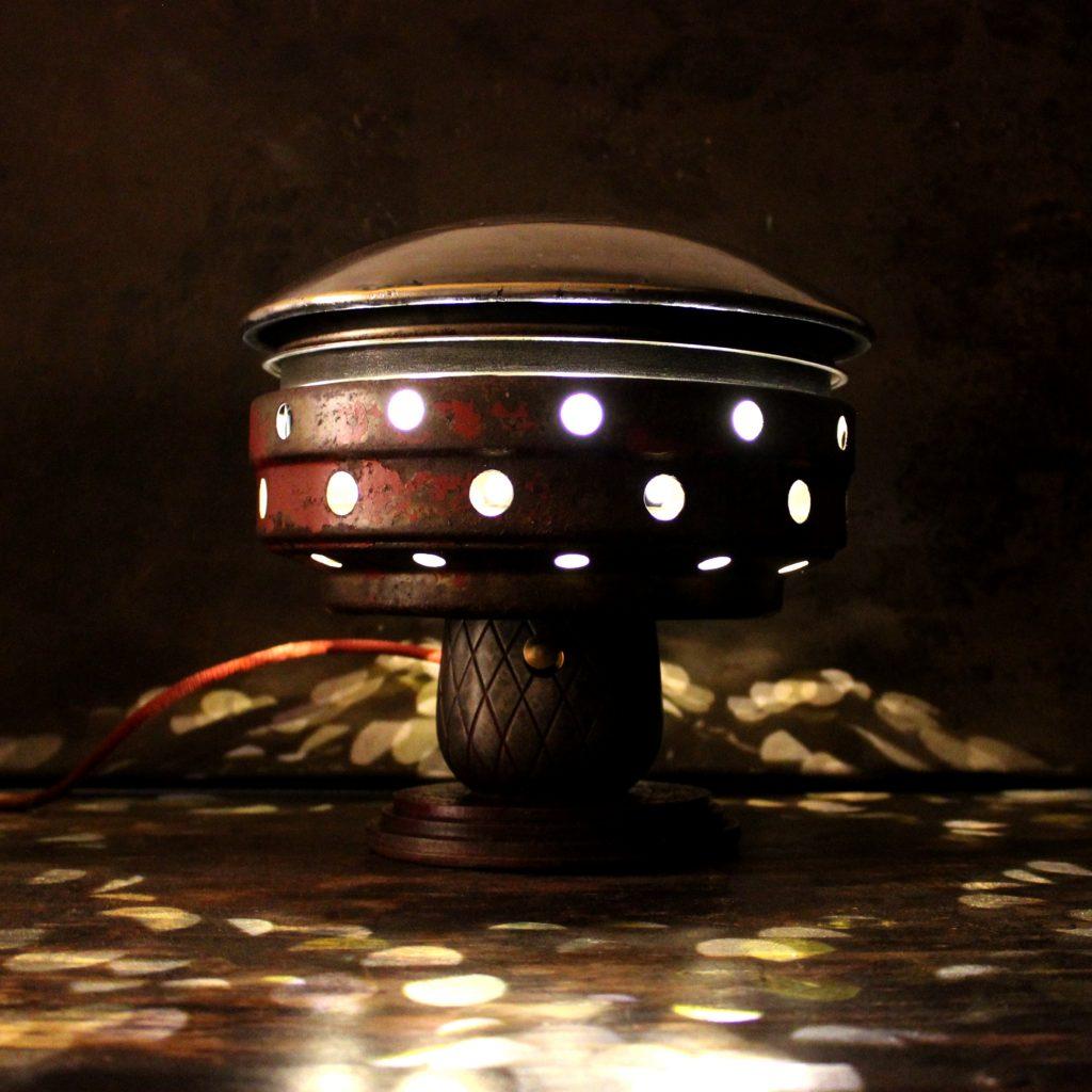 DeSoto Icon UFO lamp