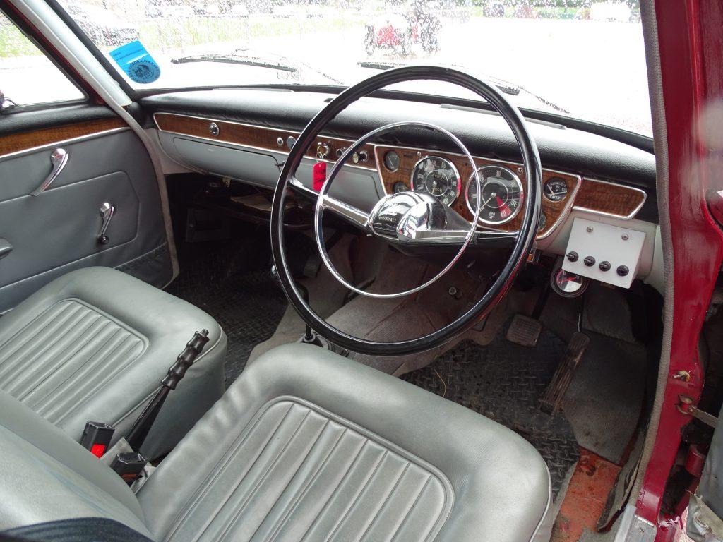 Vauxhall VX4/90 interior