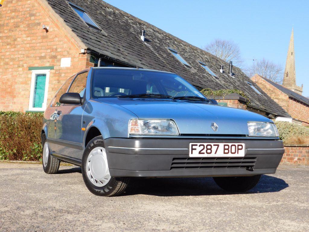 1989 Renault 19 GTS