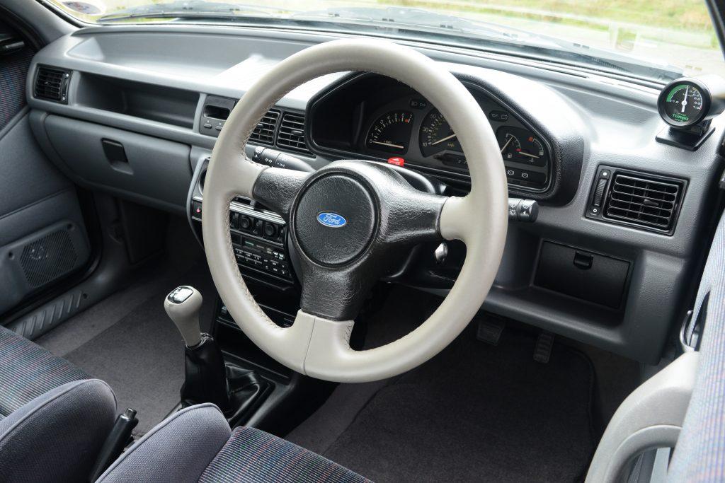1990 Ford Fiesta RS Turbo steering wheel