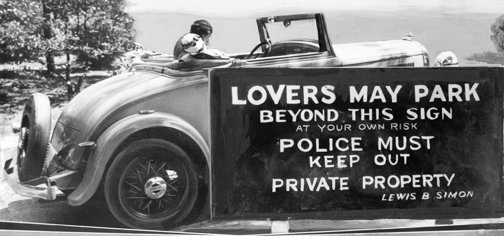 Couple kissing in a car, Camden, New Jersey, 1933