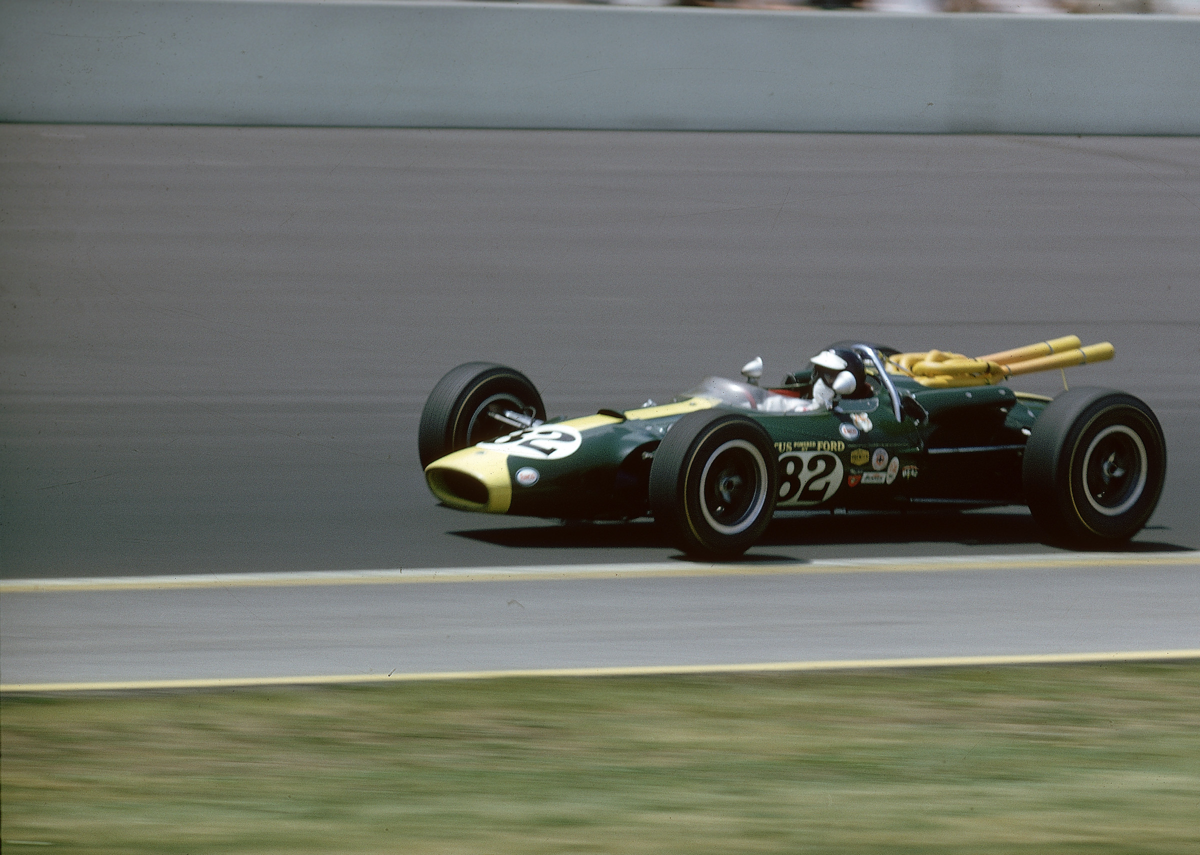 Freeze Frame – Jim Clark dominates at Indy
