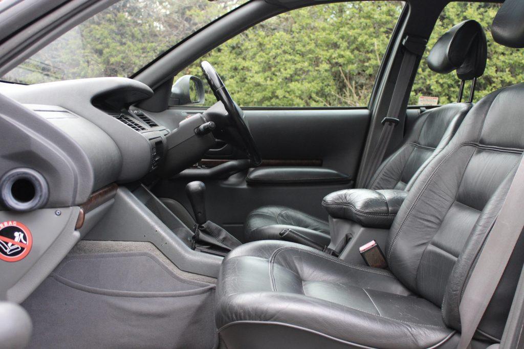 Interior of Renault Safrana