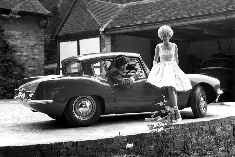 Elva Courier MkIII coupe