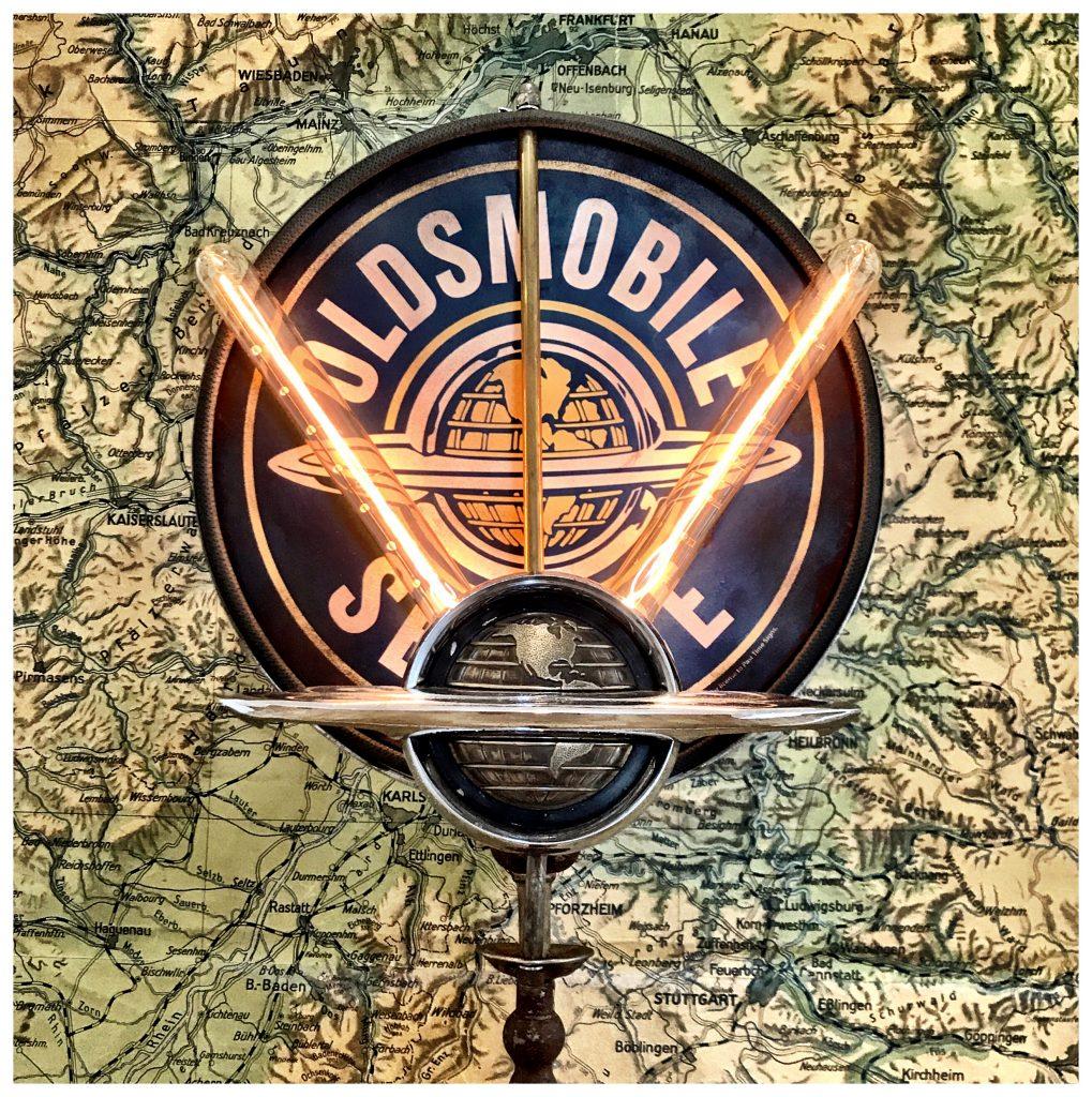 Oldsmobile Rocket 88 lamp