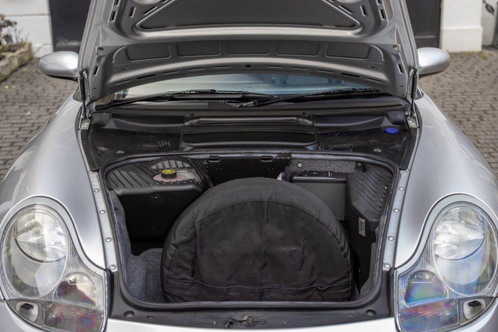 Porsche 911 996 front luggage space