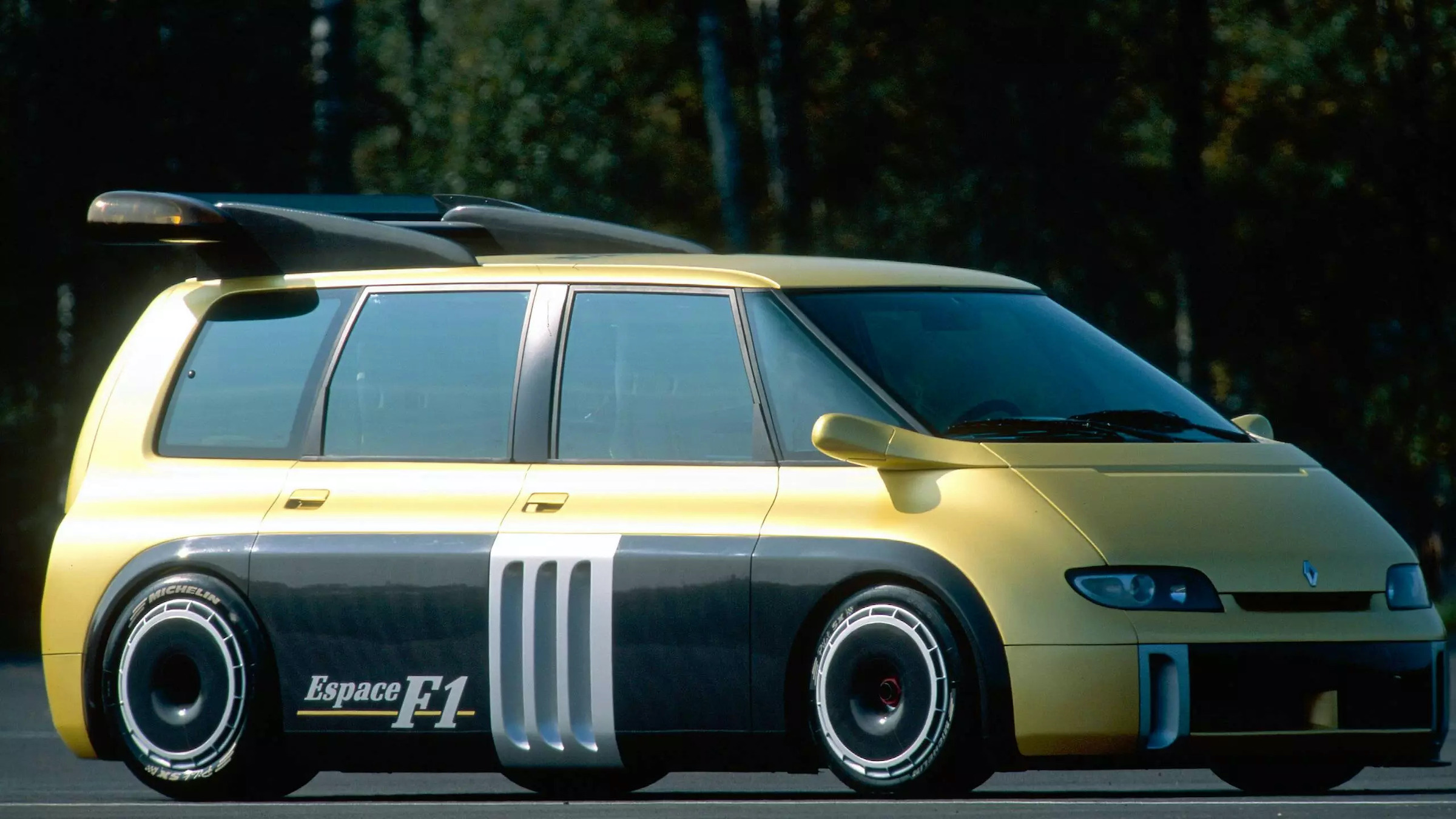 5 mid-engined Renaults that left drivers in a spin
