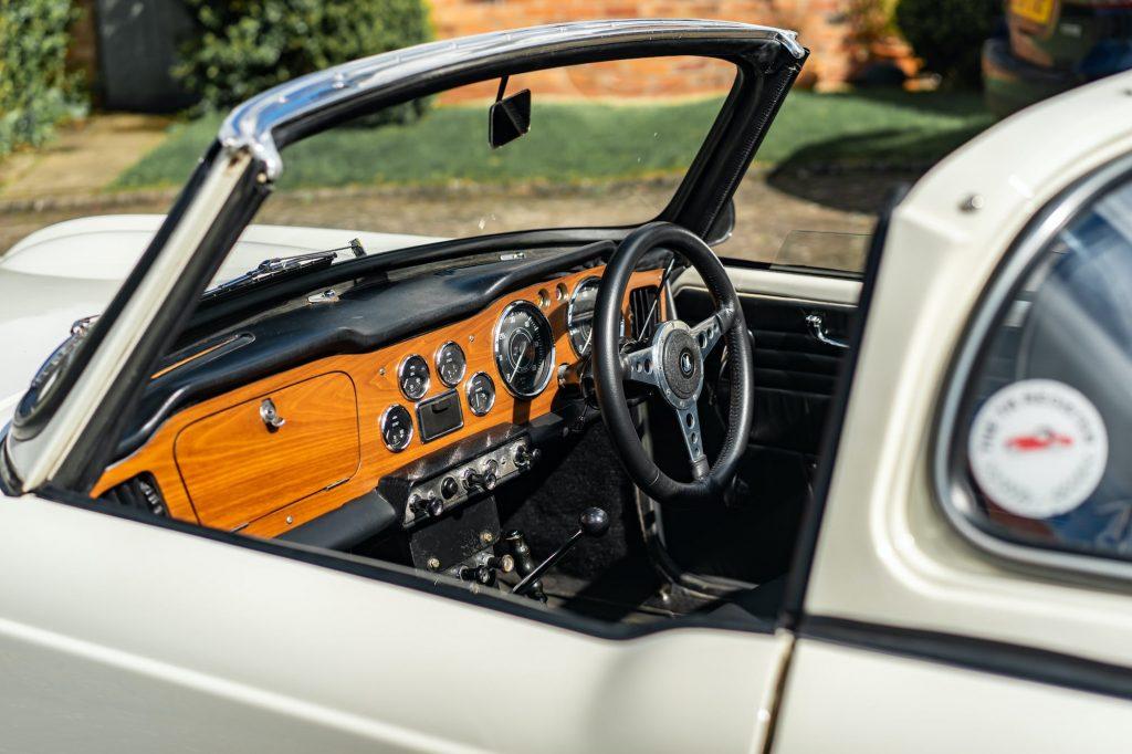 Triumph TR4 interior