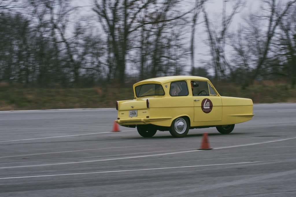Testing a Reliant Regal_Hagerty