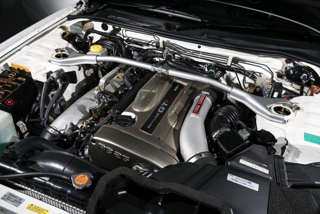 £400,000 Nissan Skyline GT-R R34 engine