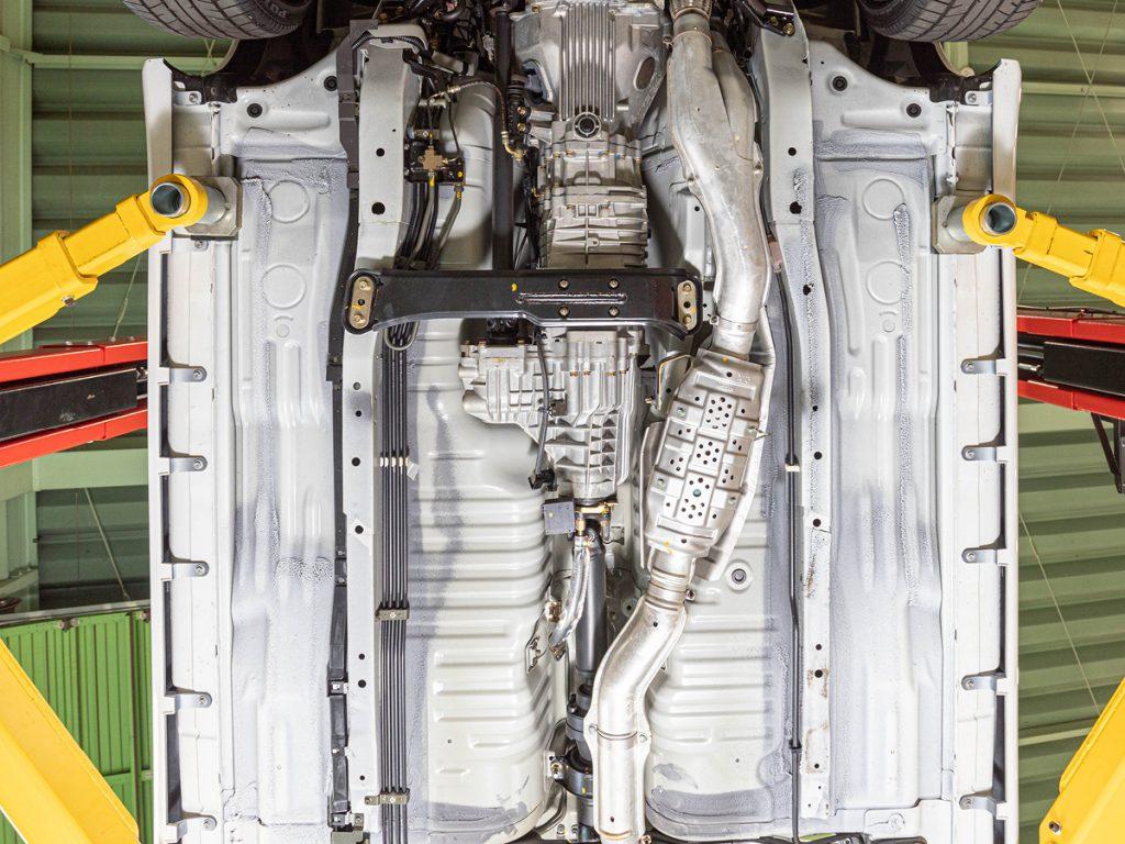 Nissan Skyline GT-R R34 underside