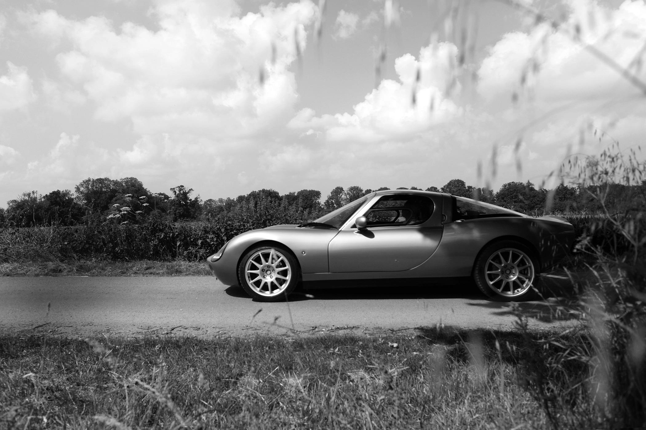 Wells Vertige: New Brit sports car debuts at Goodwood