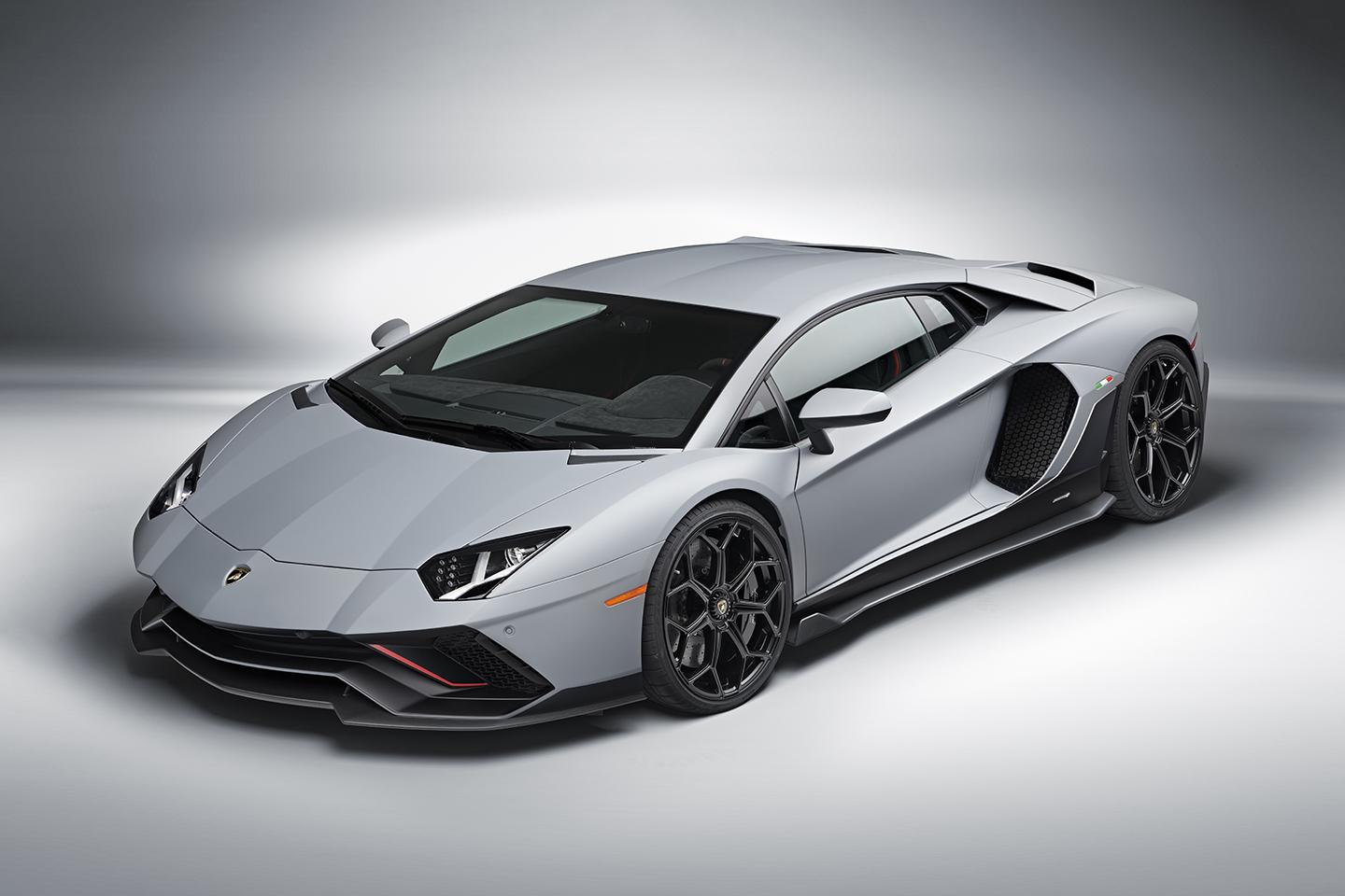 The final countdown for Lamborghini's V12 starts with the Aventador Ultimae