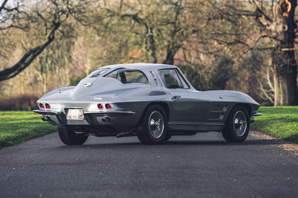Chevrolet Corvette Sting Ray Coupe – 1963 C2 split window