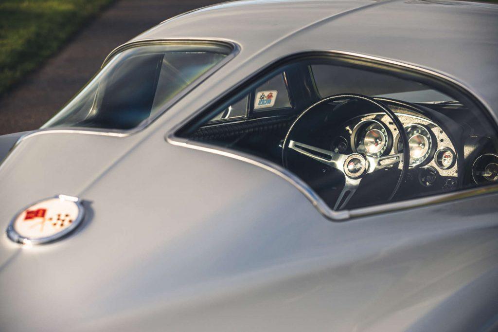 Chevrolet Corvette Sting Ray Coupe – 1963 C2 split window close up