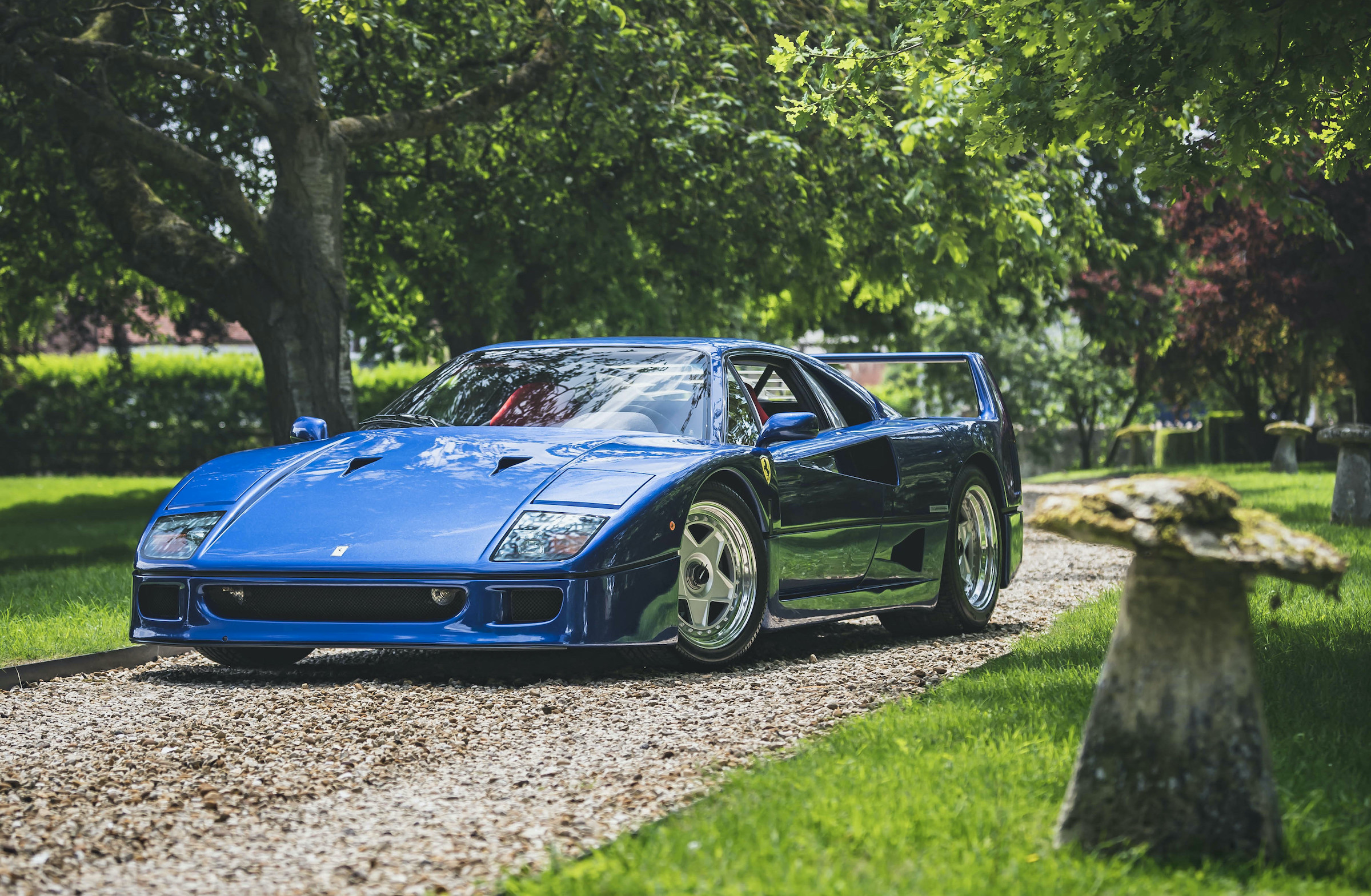 Feeling Blu? Famous F40 sets online auction record
