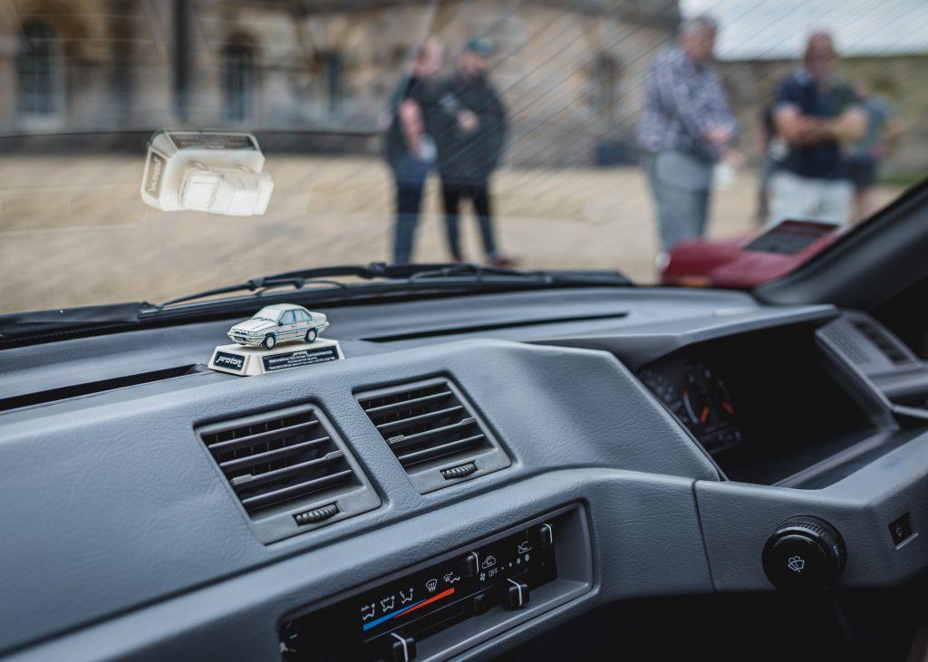 1989 Proton 1.5 GL Black Knight Edition interior