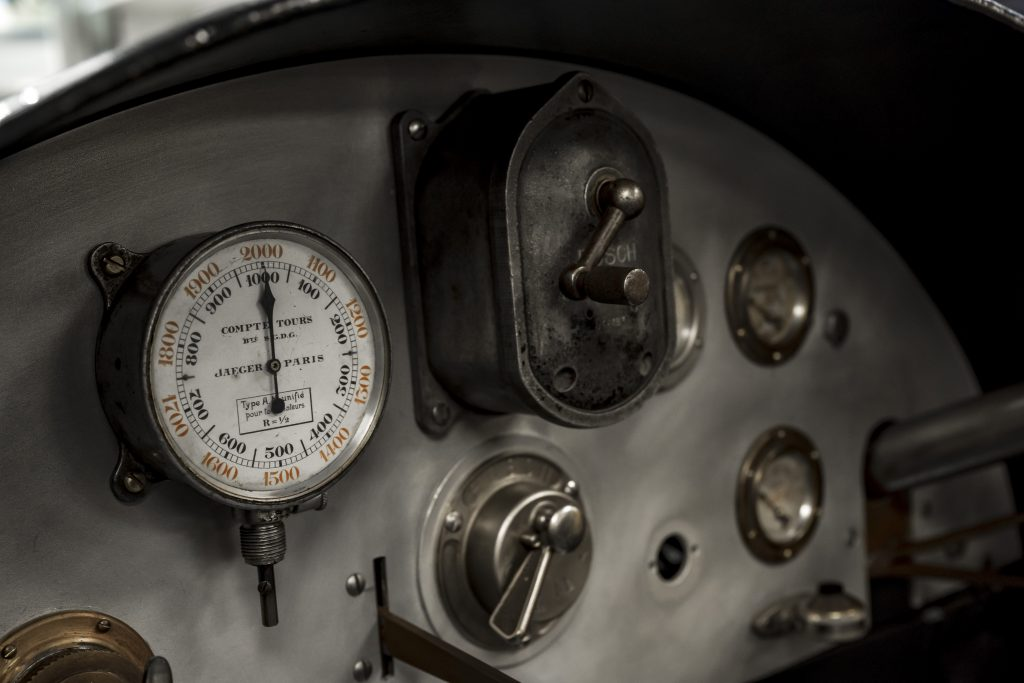 Bugatti dashboard
