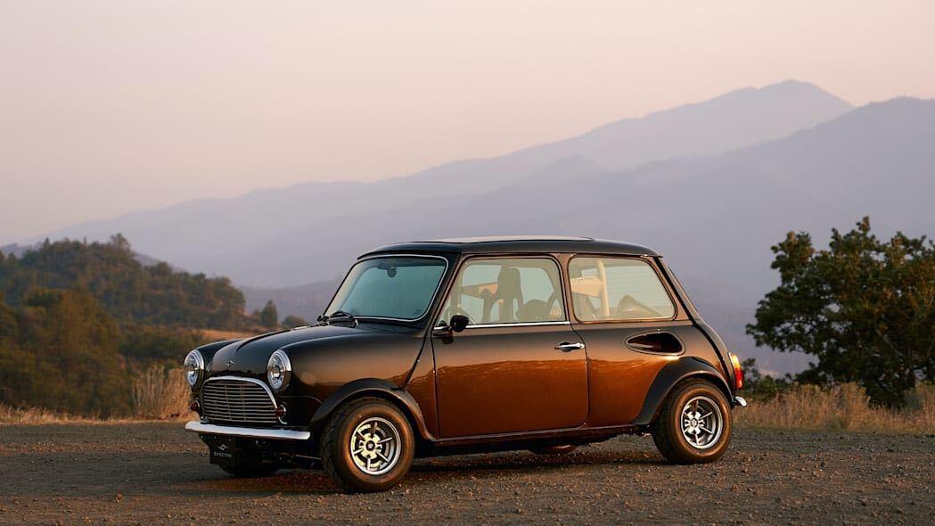 Think this restomod Mini looks good? Just wait until VTEC kicks in...