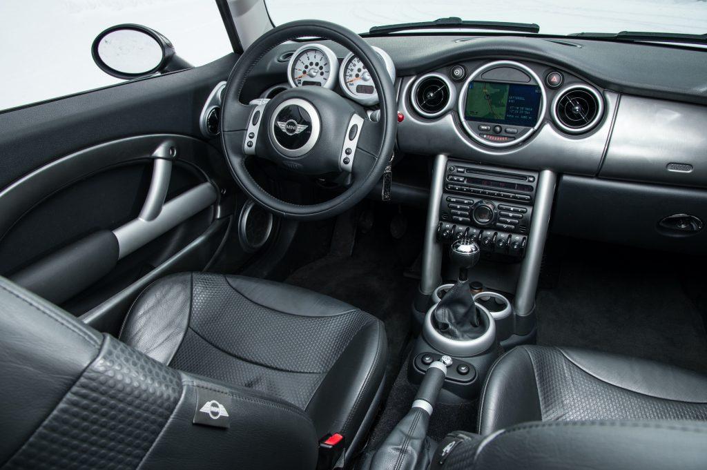 Mini Cooper R50 interior