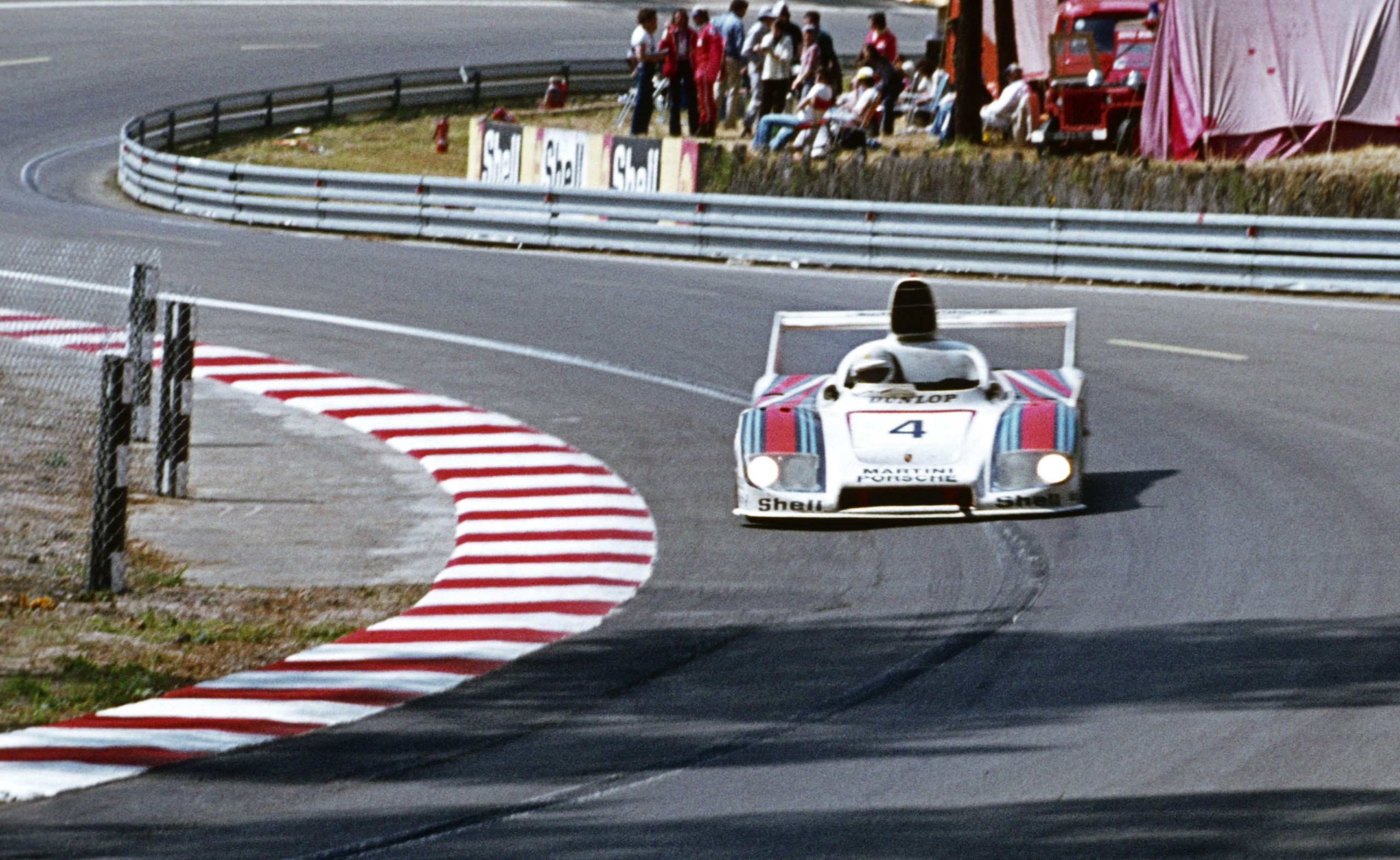 13 times luck wasn't on these drivers' sides at Le Mans