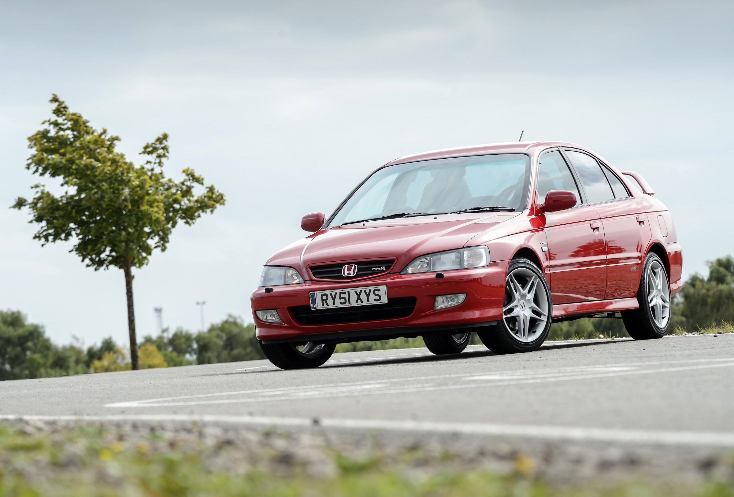 The Honda Accord Type-R is a touring car in streetwear