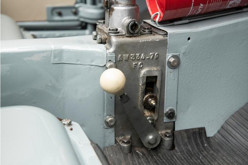 2CV 4x4 engine selector
