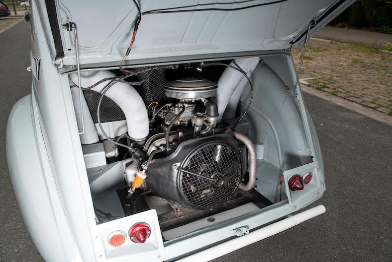 Citroen 2CV 4x4 engine rear