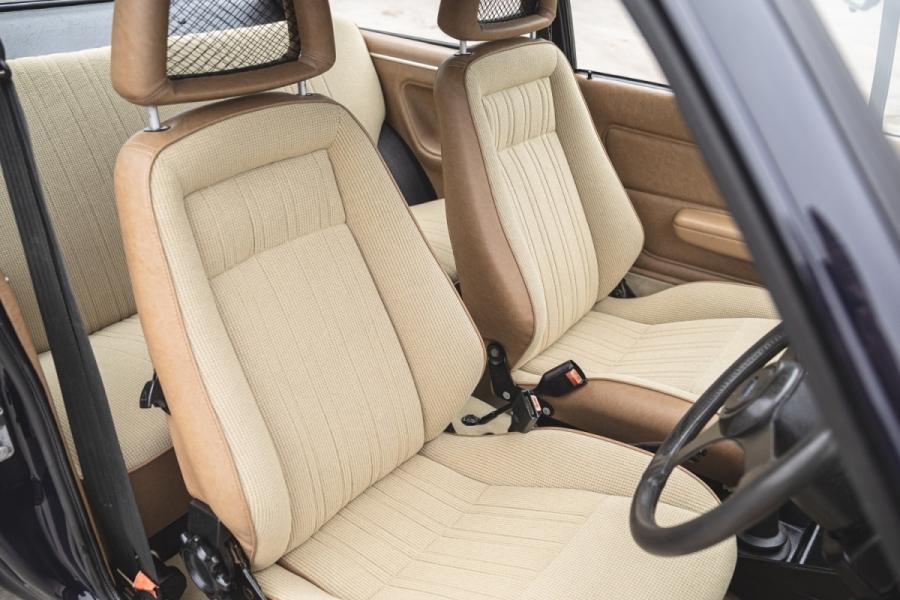 Ford RS2000 Recaro seats