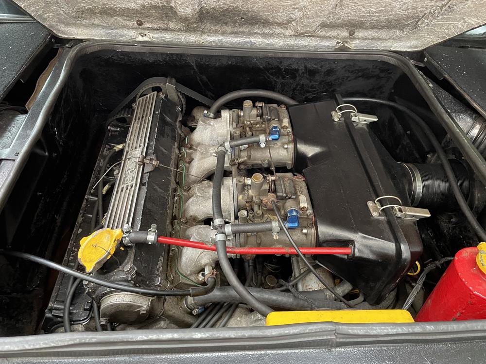 Lotus Esprit S3 engine bay