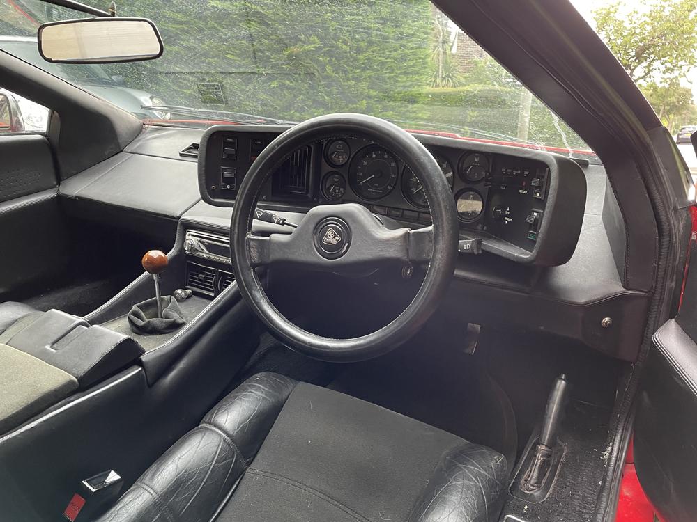 Lotus Esprit S3 interior