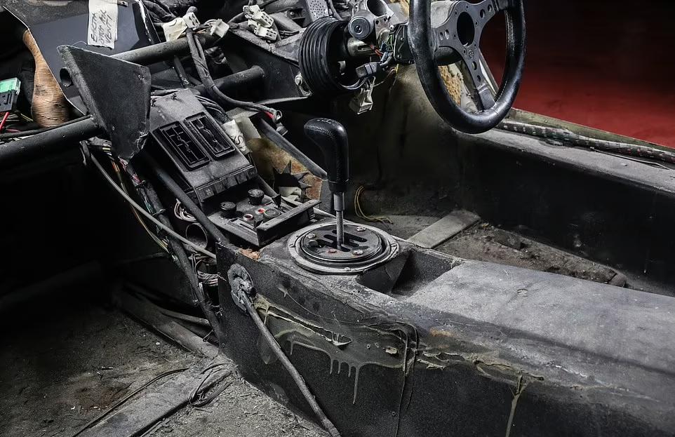 Lamborghini Countach restoration astonishing