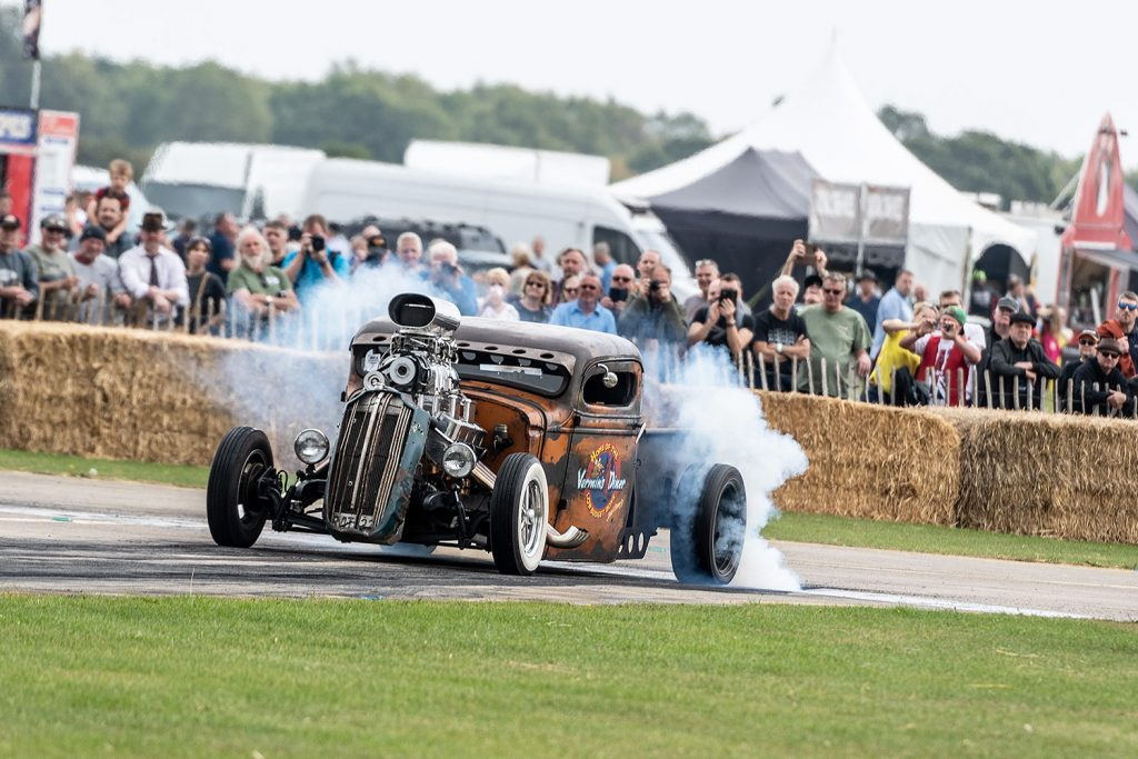 Sywell Classic hot rod