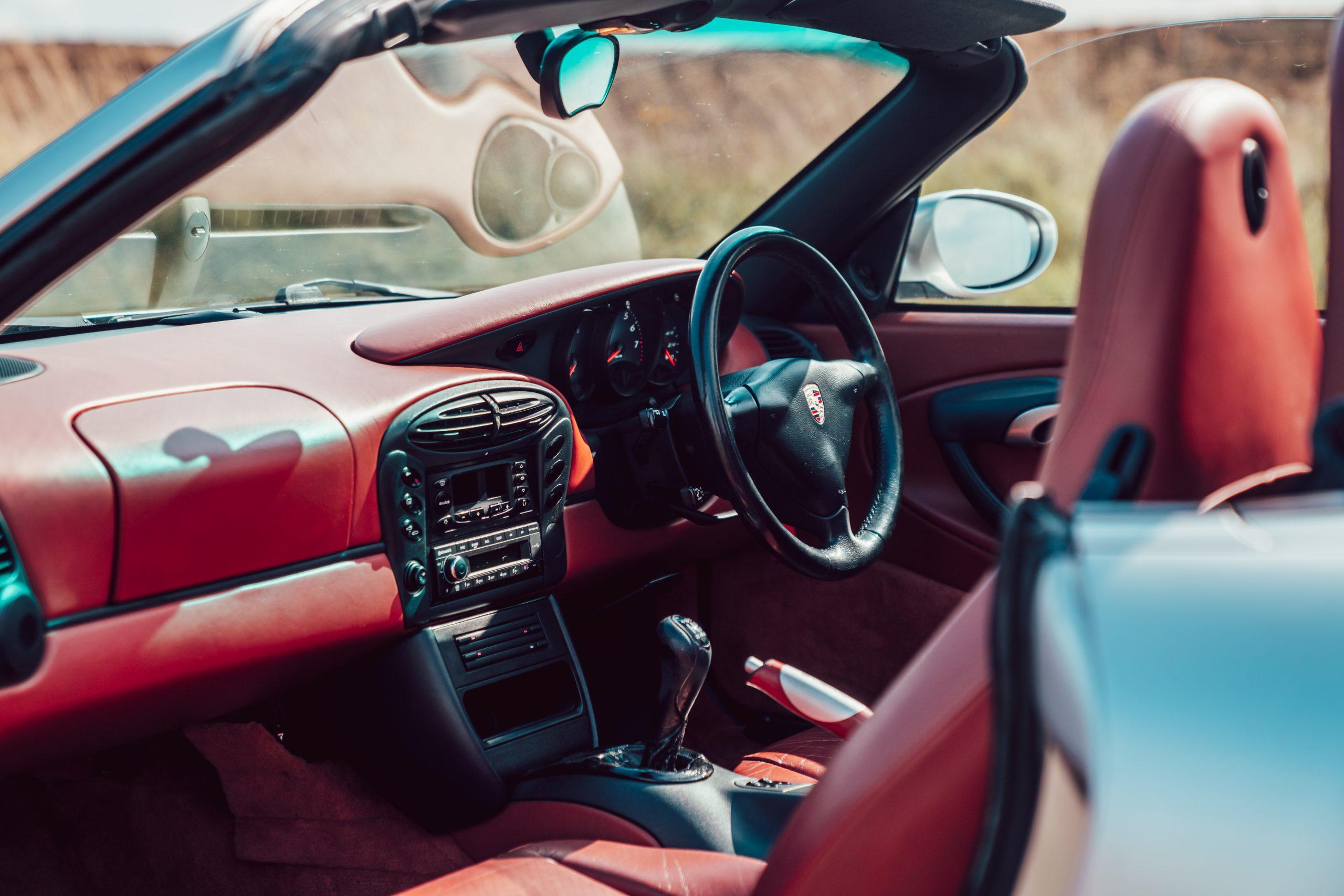 Porsche Boxster 986 cabin